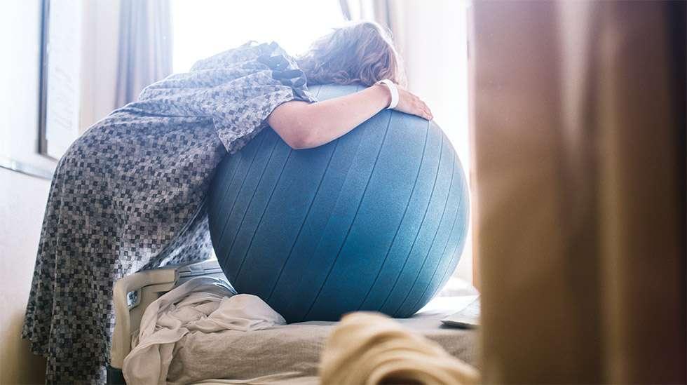 Kipua voi lievittää monella eri tavalla synnytyksessä. Kuva: iStock