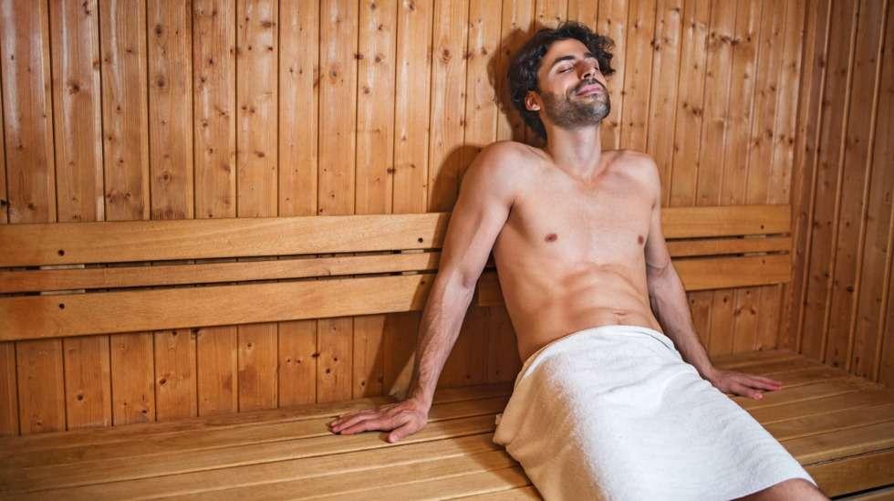 Heikentääkö löylyssä muhiminen miehen hedelmällisyyttä – siittiöthän viihtyvät viileässä? Kuva: iStock