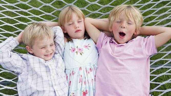Syntymäjärjestyksen arvellaan vaikuttavan älykkyyden lisäksi lasten luonteeseen. (Kuva: Crestock)