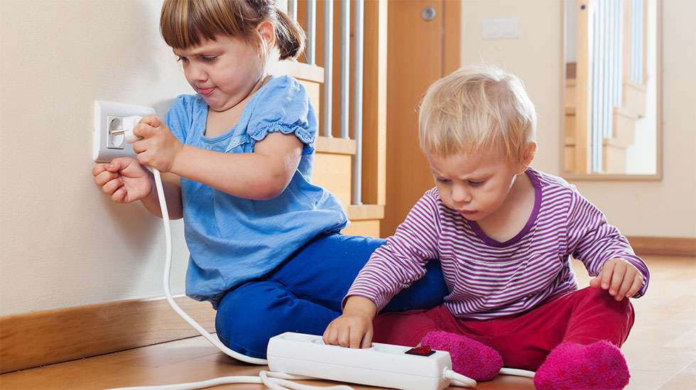 Lapset ja sähkö: huono yhdistelmä. (Kuva: iStock)