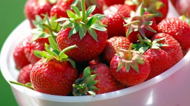 Mansikat sopivat hedelmällisyysjumpparin makeannälkään.