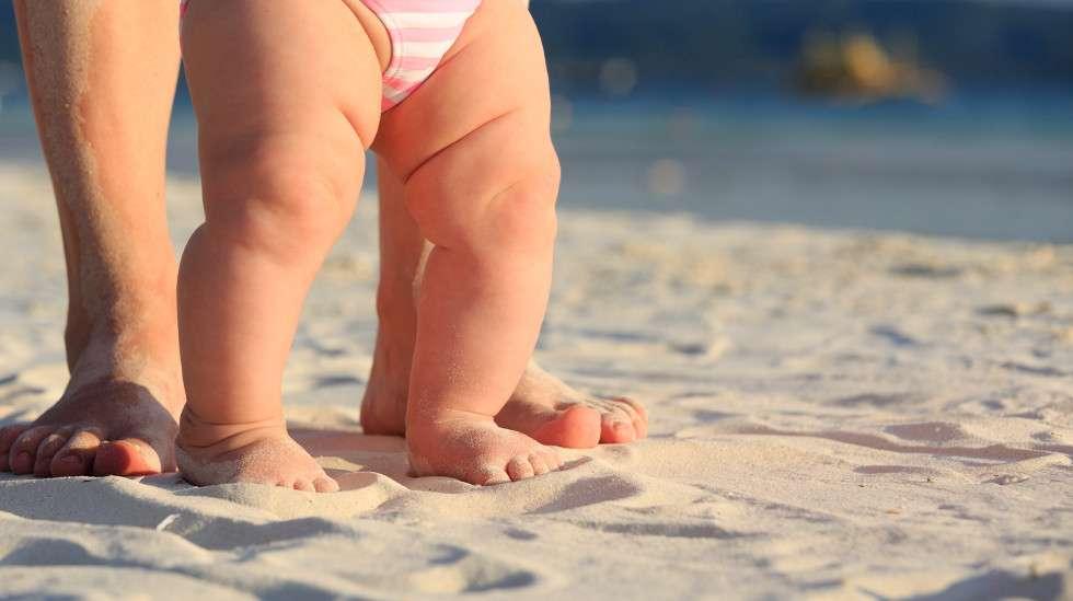 Lomareissu vauvan kanssa voi olla ihana kokemus, kun hoitaa ensivalmistelut kunnolla.