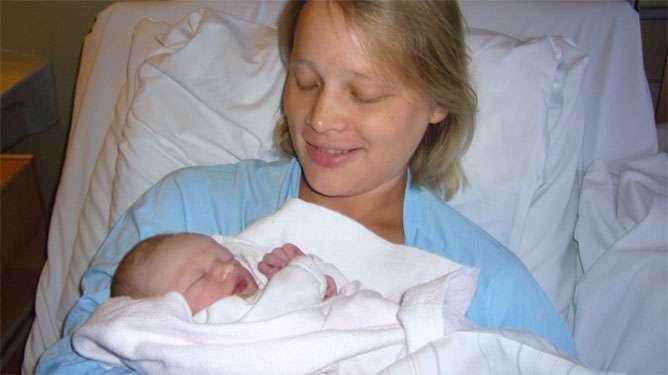 Maren Eriksen nauttii vauva-ajasta synnytyksen jälkeen.