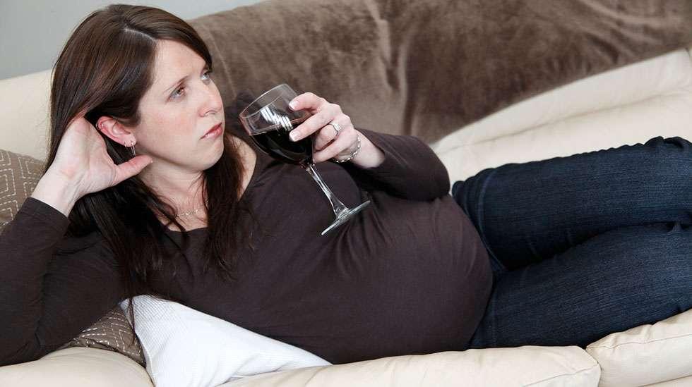 Jokainen drinkki lisää riskiä vauvan ulkonäkömuutoksiin, kertoo tutkimus. (Kuva: Shutterstock)
