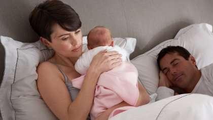 Yöpeipponen valvottaa vanhempia.
