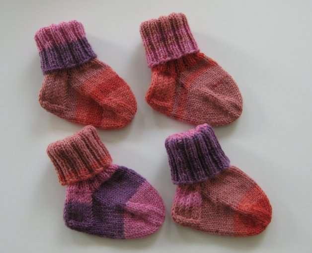 Katri-Mari Friin kutomat sukat Amanda-projektia varten.