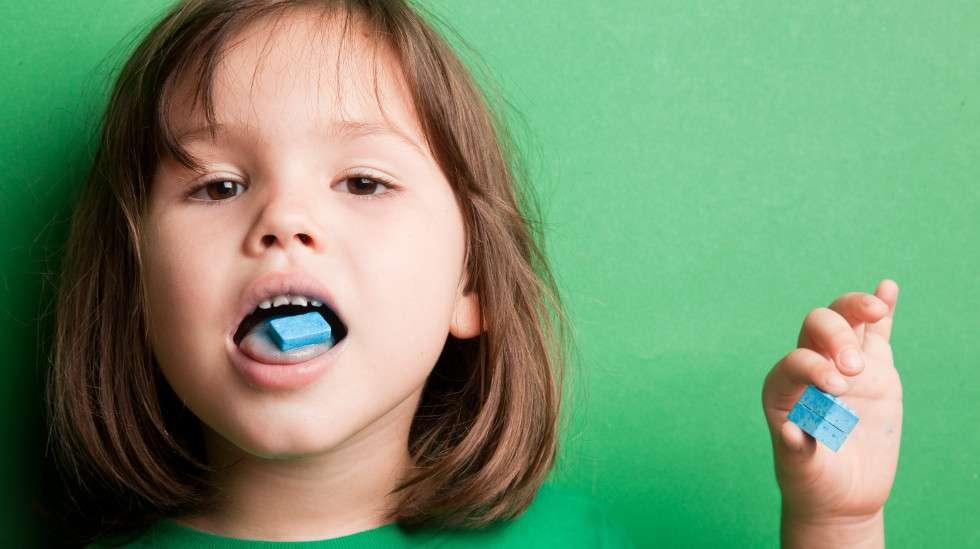 Erityisesti lapsille suunnatut ruoat ja juomat saattaa sisältää epätoivottuja lisäaineita. (Kuva: Shutterstock)