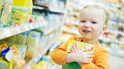 Kuka teillä päättää herkkuhankinnoista?  Sinä vai lapsesi? (Kuva: Shutterstock)