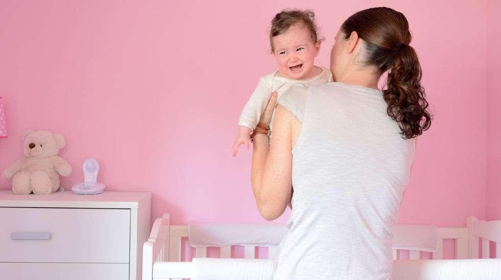 Lapsen nukuttaminen saattaa muodostua isoksi ongelmaksi. Kuva: Shutterstock