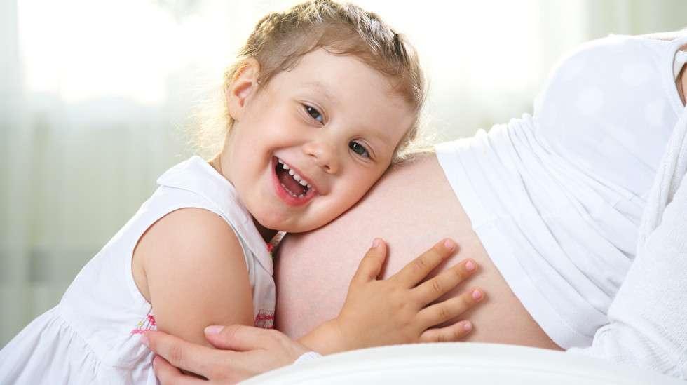 Toisessa raskaudessa odottajia on yksi enemmän.