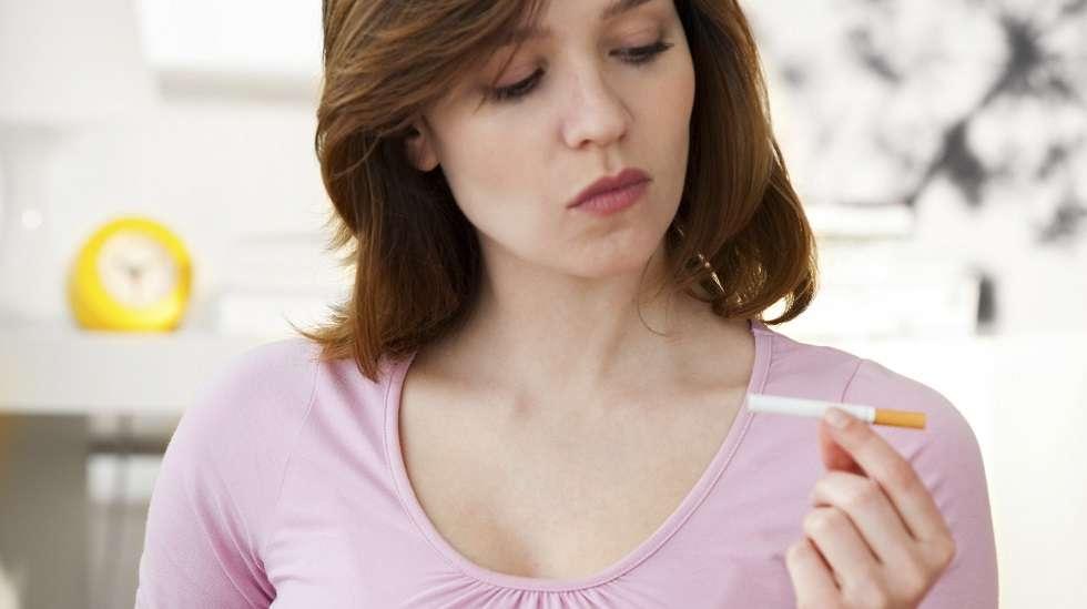 Tupakointi raskausaikana on suuri riski. (Kuva: Shutterstock)