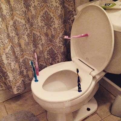 Taitaa jäädä hampaat pesemättä tältä illalta. Kuva: @lalstonsmith