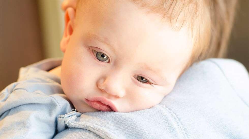 Lapsen sairastaessa vanhemman huoli voi olla kova. (Kuva: Shutterstock)