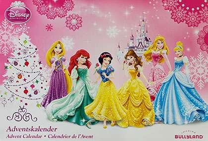 Äitiraati pitää Disneyn prinsessat kalenteria krääsänä.