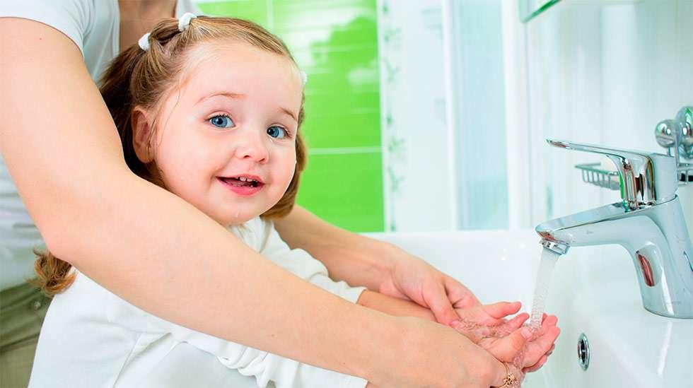 Tuoreen tutkimustiedon valossa lasten käsien pesu on turhaa. (Kuva: Shutterstock)