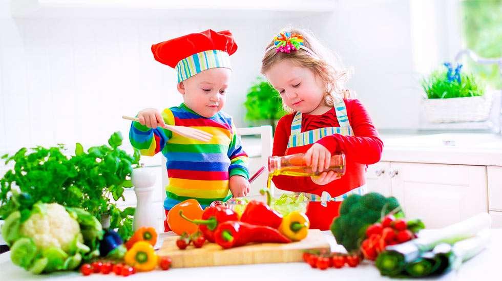 Ruokailo on tärkeä osa ruokakasvatusta. (Kuva: Shutterstock)