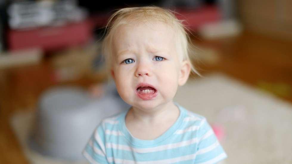 Pikkulapsi ei aina osaa kertoa, että pissaaminen on kivuliasta. (Kuva: Shutterstock)