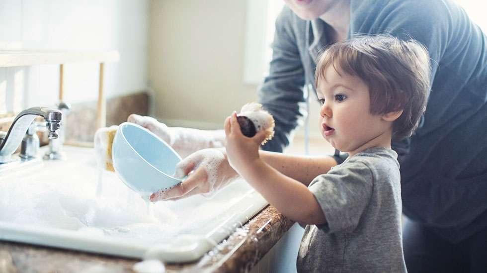 Lapset rakastavat vedellä läträämistä, Kuva: Shutterstock