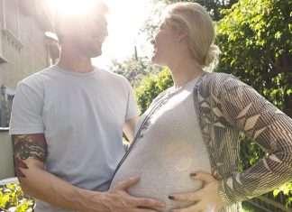 Pariskunta on päätynyt nopeasti raskaaksi