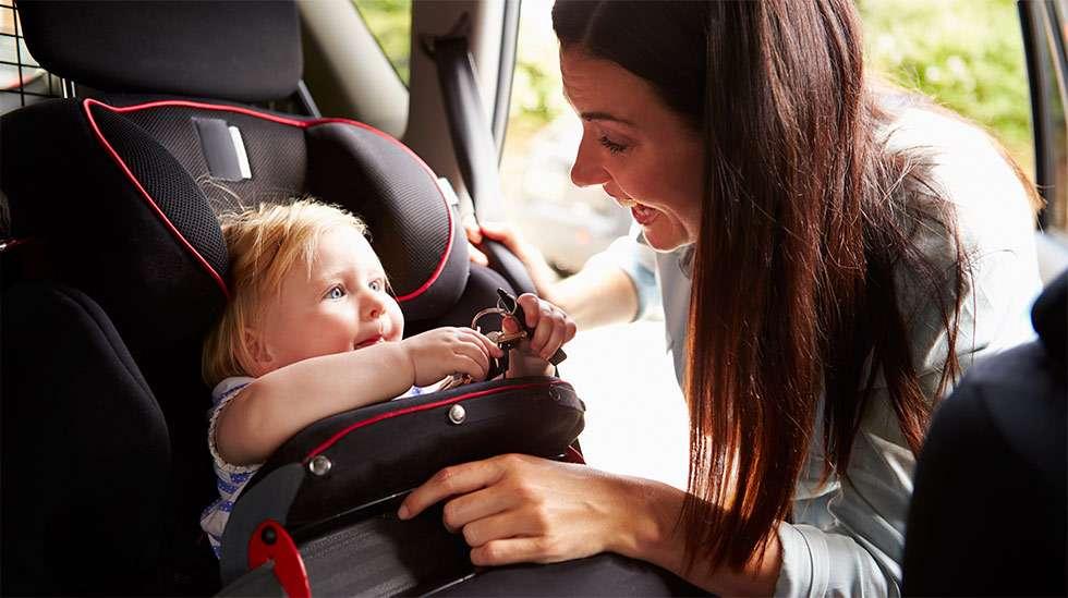 Selkä menosuutaan asennettava istuin on turvallisin. (Kuva: iStock)