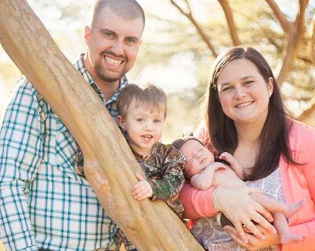 Onnelliset kahden lapsen vanhemmat. Lapsille tuli ikäeroa lopulta 21 kuukautta.
