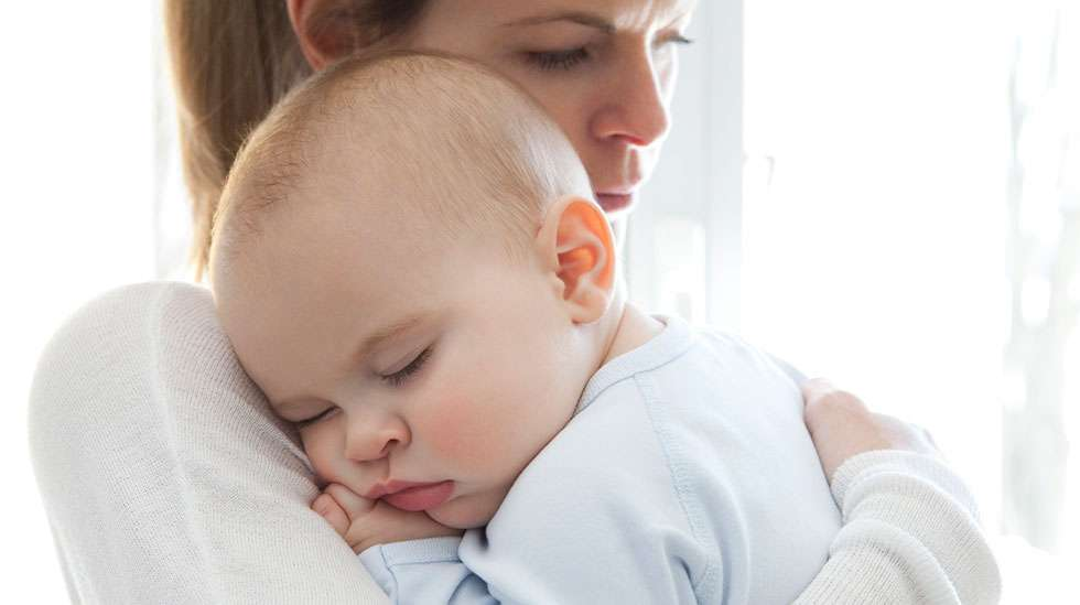 Vauvojen vanhempia auttaa usein jo pelkkä tieto siitä, kuinka vauvan ruokatorvi, vatsa ja suoli normaalisti toimivat ja miksi pulautteluvaivat ovat yleisiä ja yleensä vaarattomia. (Kuva: iStockphoto.)