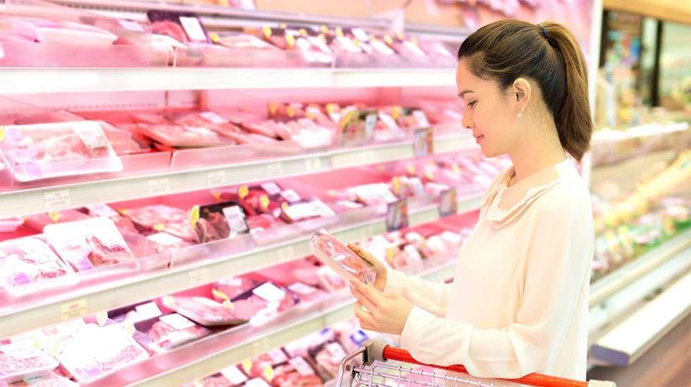 Liiallinen lihan syöminen ei ole terveellistä myöskään raskausaikana. (Kuva: iStock)