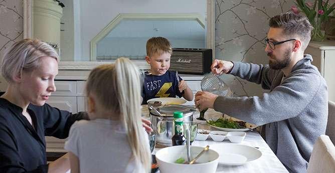Sirkat yhdistyvät mutkattomasti suomalaiseen hirvi- ja muusipohjaiseen illalliseen. Kuva: Petra Lehto