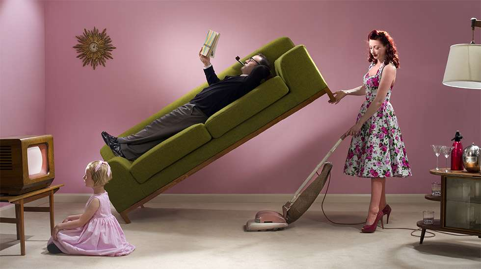 Kotityöt ovat edelleen hyvin sukupuolittuneita. Kuva: iStock