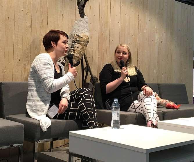 Marjut Ollila (vas) puhui sormiruokailusta Lapsimessuilla 2017.