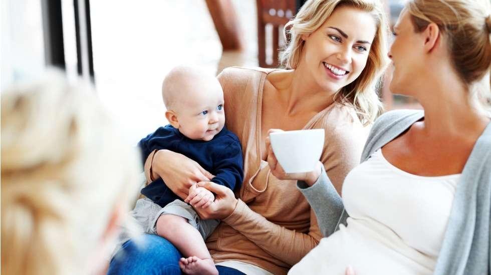 Äitiys on parhaimmillaan jaettuna. Jokainen äiti ansaitsee tukea, kannustusta ja lempeitä sanoja.