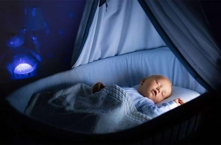 minkä ikäisenä vauva omaan huoneeseen?