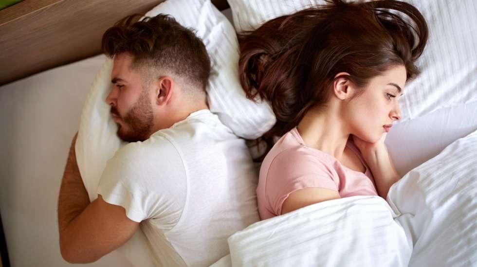 Yhteistä säveltä sängyssä ei aina löydy, kun elämään on tullut yksi muuttuja lisää. Kuva: iStock