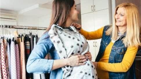 Äitiysvaatteiden ostaminen on parhaimmillaan kutkuttavan ihanaa. Kuva: iStock
