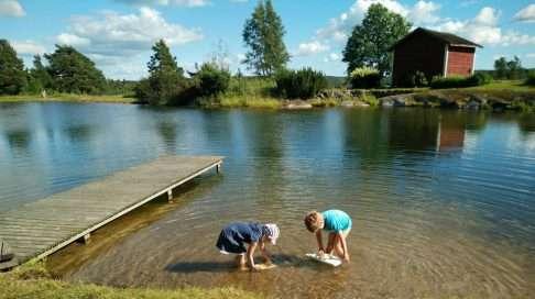 Viime kesänä olin viimeisilläni raskaana, joten emme lähteneet nauttimaan Suomen kesästä Saloa kauemmas.