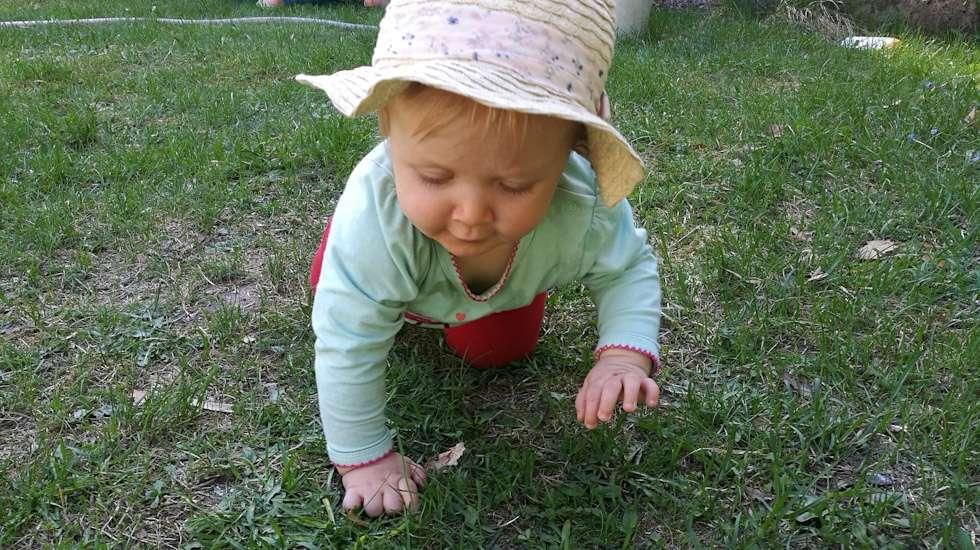 Kesä tarkoittaa vauvan tutkimusretkiä ja uusia makuelämyksiä.