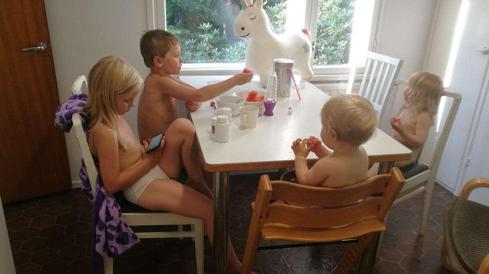 Neljä lasta ovat kasvattaneet minua hurjasti. Kunpa minäkin osaisin kasvattaa heitä yhtä hyvin.