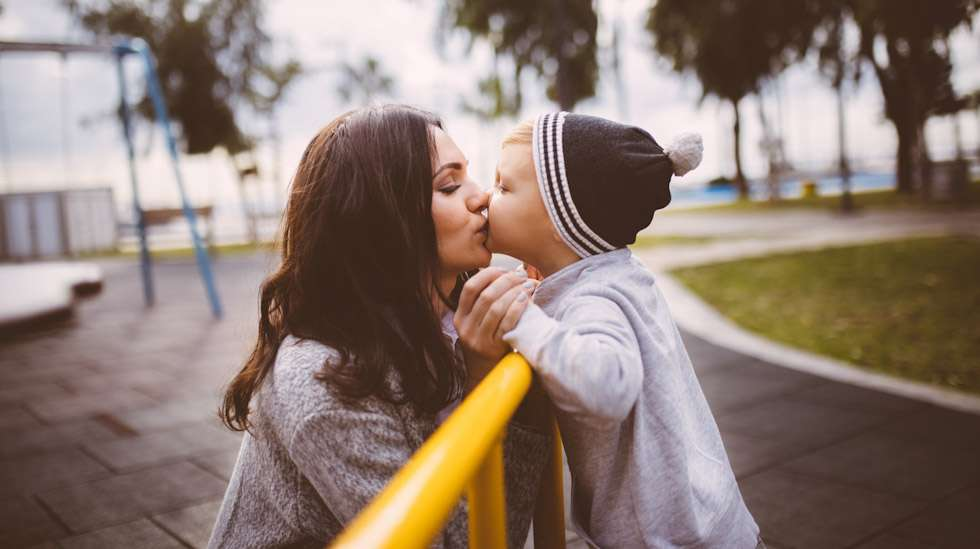 Suukotellaanko teilläkin lapsia suulle? Kuva: iStock