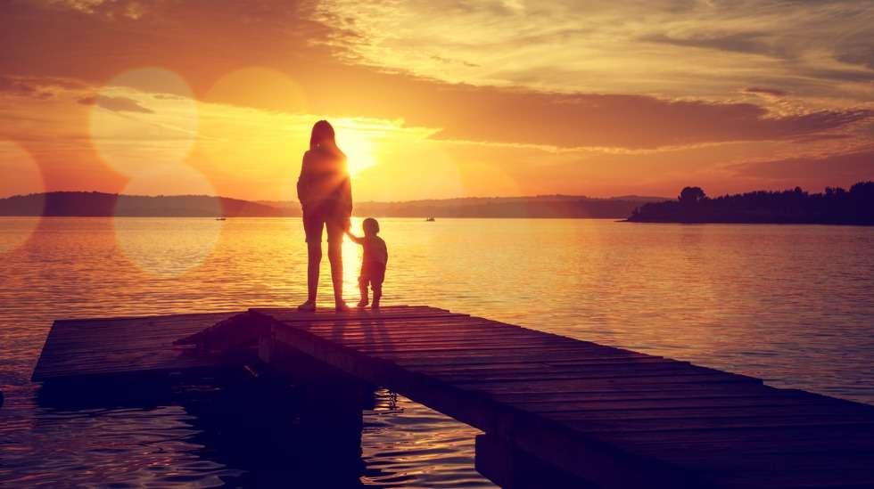 """""""Äiti halusi ja kaipasi sinua niin paljon, että päätti hankkia sinut yksin"""". Kuva: iStock"""