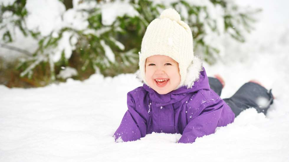 Lumessa on ihana peuhata, kun varusteet ovat asianmukaiset. Kuva: iStock