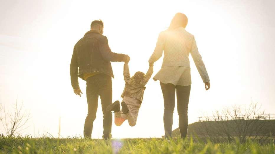 Onko ainokaisen lapsuus yhtä onnellinen kuin monilapsisen perheen kasvatin? Sitä pohditaan foorumilla. Kuva: iStock
