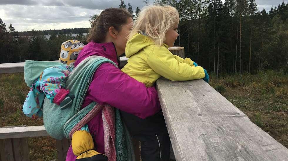 Läheisyys lasten kanssa on itsestään selvä asia, mutta joskus tiivis fyysinen kontakti uuvuttaa.