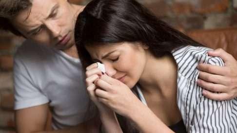 Toteutumaton lapsihaave on aina kriisi lasta toivovalle pariskunnalle – oli tällä lapsi jo ennestään tai ei. Kuva: iStock