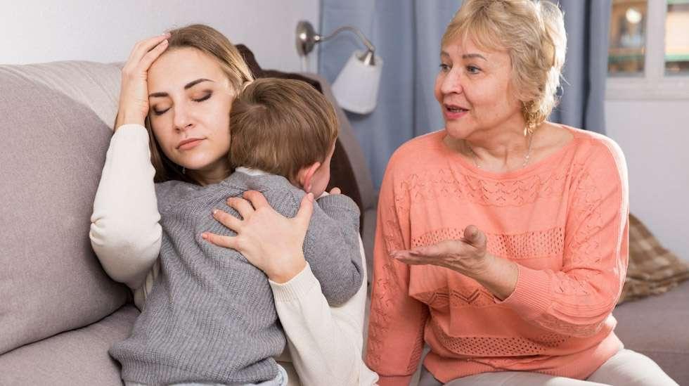 Joskus oma äiti voi olla pahin arvostelija. Kuva: iStock