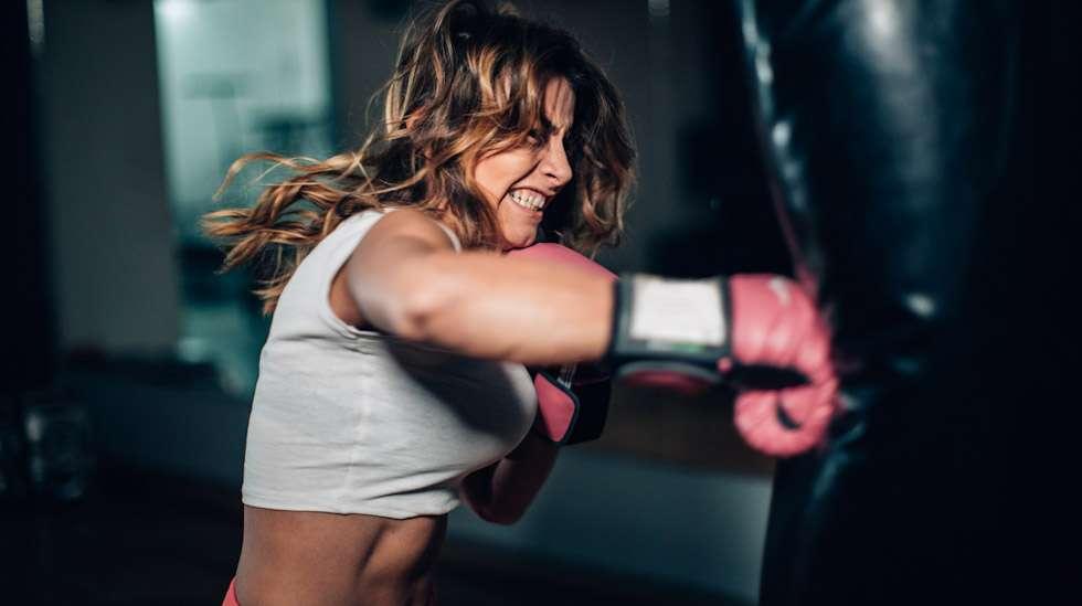 Raskas treeni voi kaksinkertaistaa riskin erittäin varhaiselle keskenmenolle. Kuva: iStock