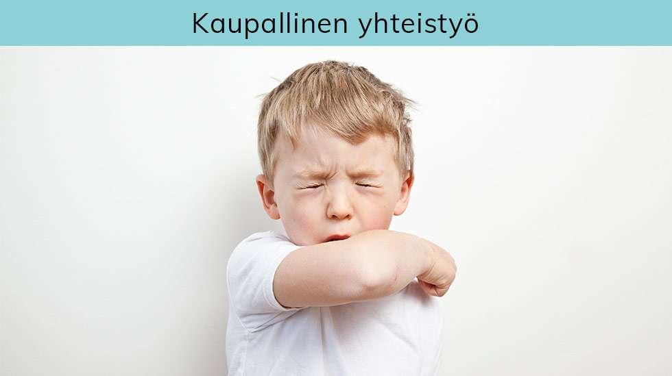Esimerkiksi hunaja ja höyryhengitys ovat käytettyjä kotikonsteja lapsen yskäistä oloa helpottaessa.